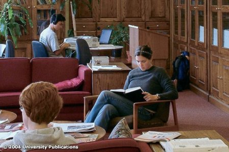 College Libraries–All the Comforts of Home
